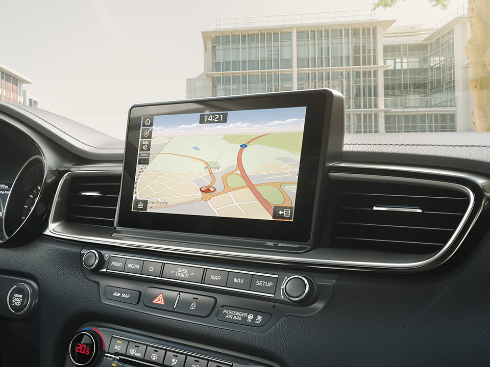 "Navigație 10.25"" + Sistem infotainment cu Apple Car Play și Android Auto"